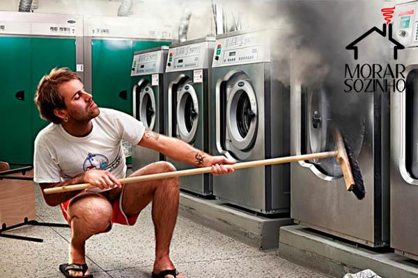 lavar roupa na máquina de lavar