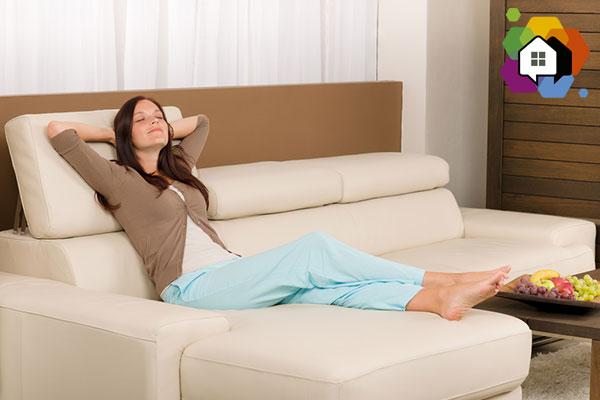 como comprar sofá morar sozinho