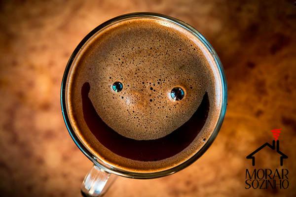 café morar sozinho